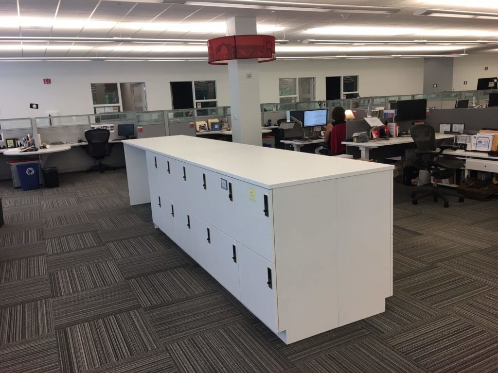 Laminate Workplace Islands with Lockers