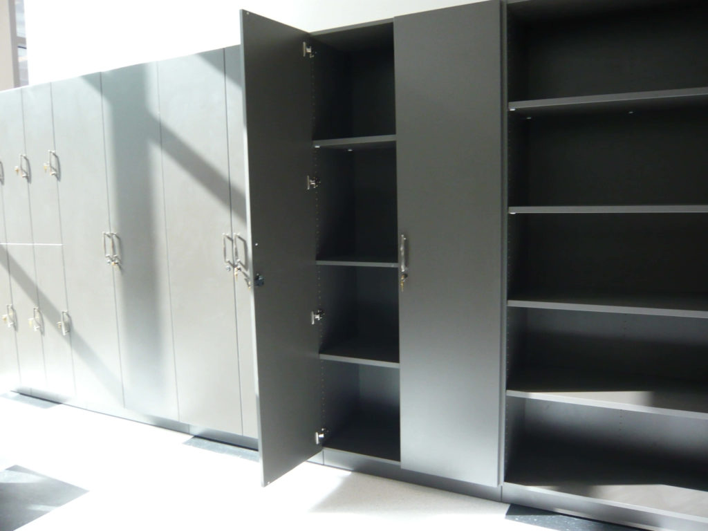 Workplace Storage units with lockers and cabinets
